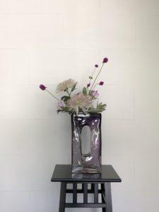 紫のガラス花器