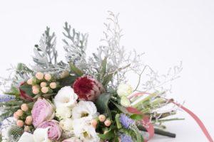お花にもハイブリッド?色々な種類のスターチスについて