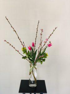 ひな祭りには桃の花!飾り方を解説します。