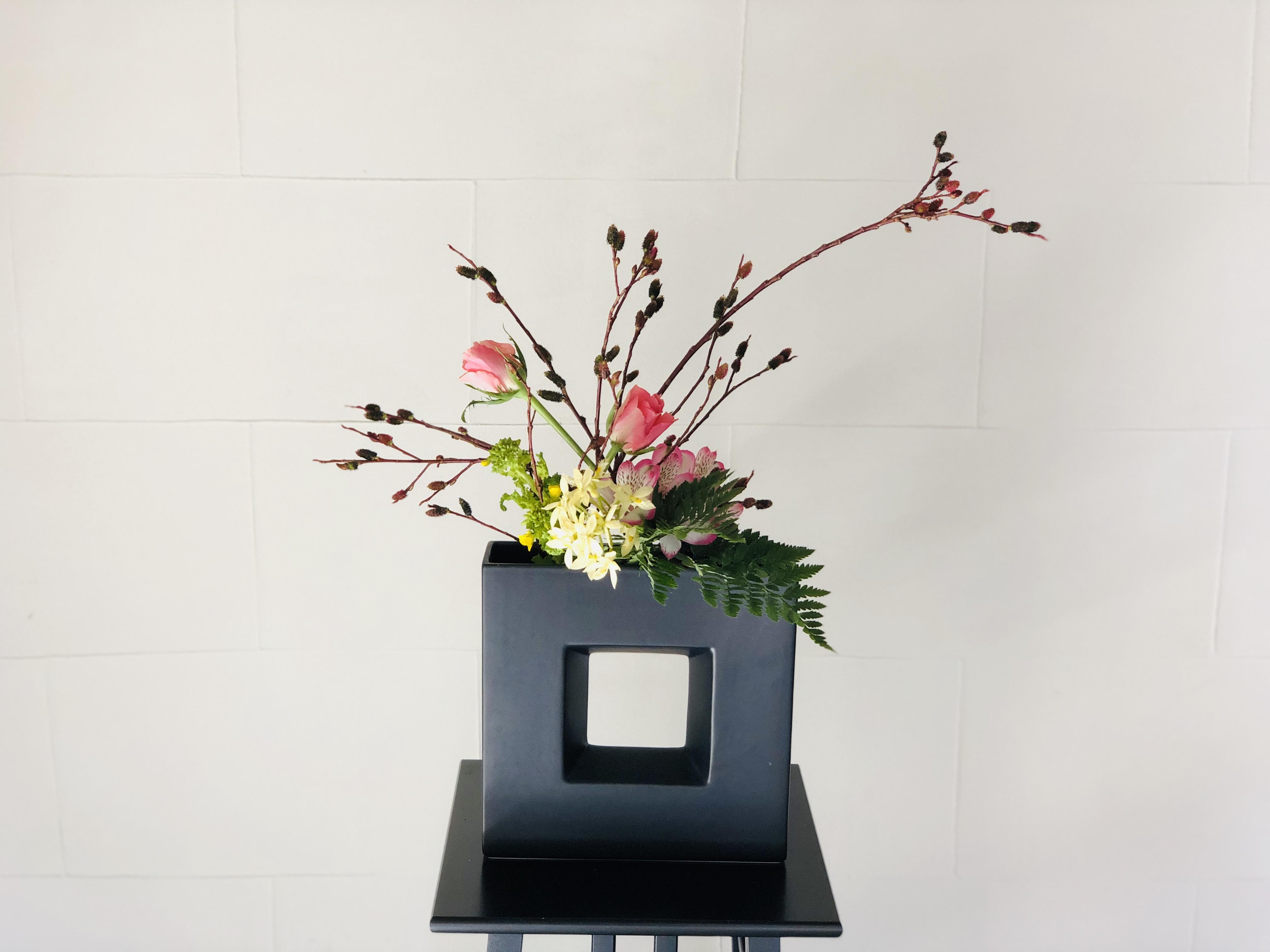 黒猫柳の生け花