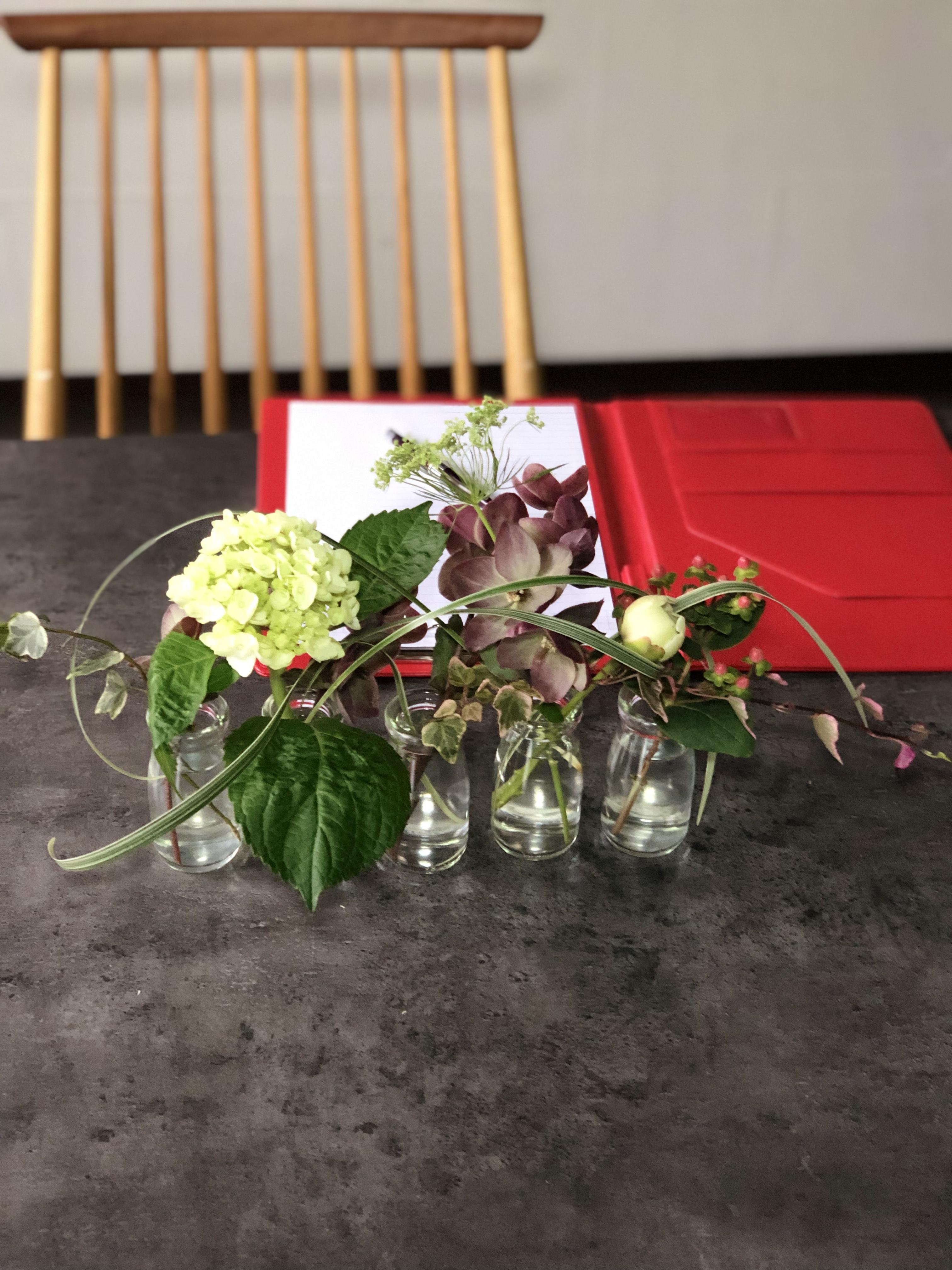 シャクヤク、アジサイのテーブル花