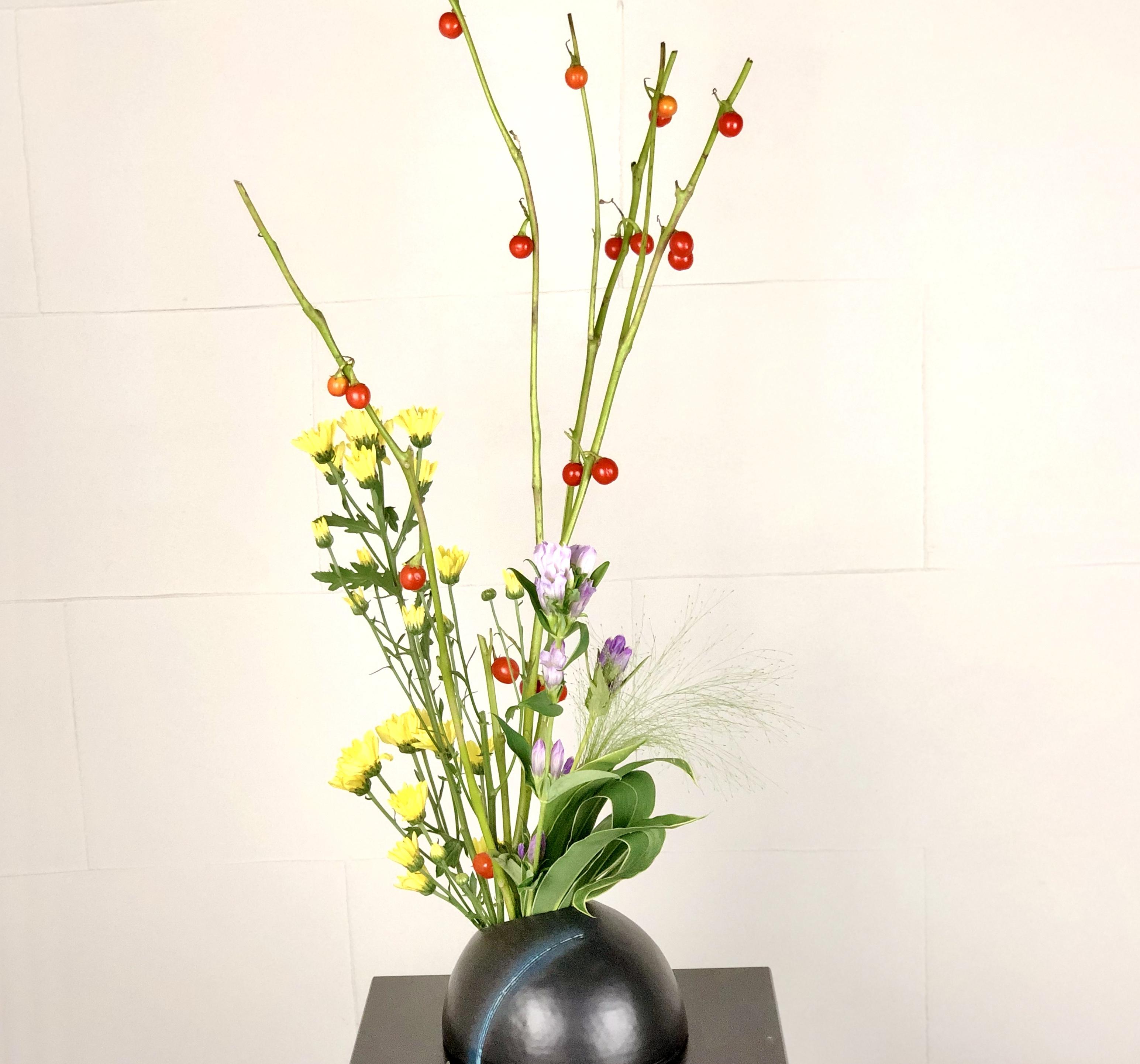 花なすを使用した生け花