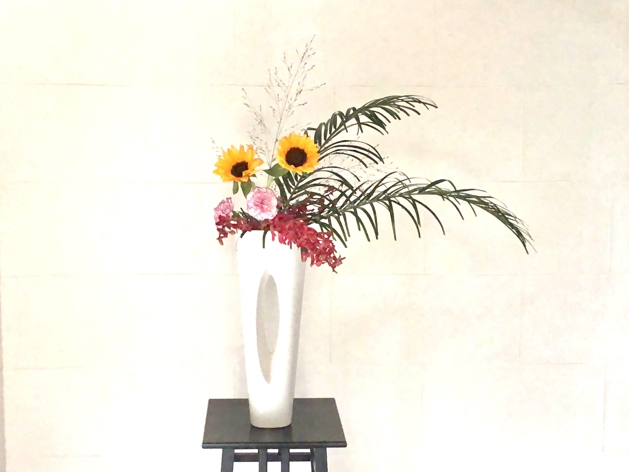 季節の移ろいを感じる生け花