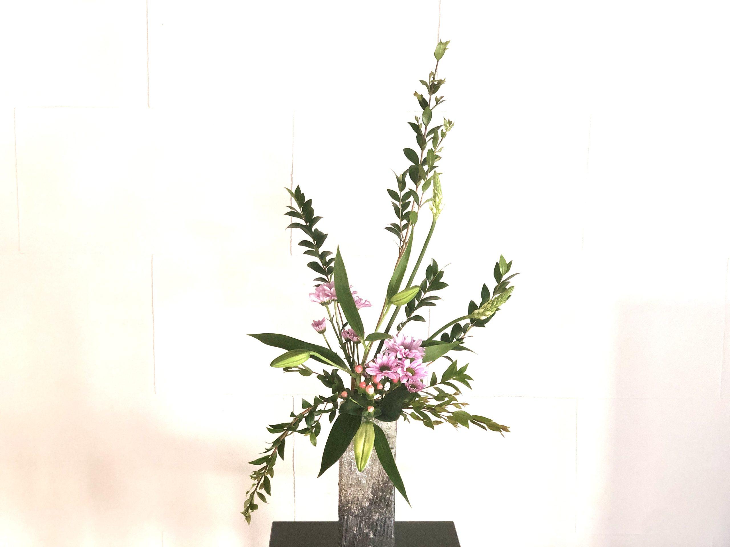 古典的な形の生け花