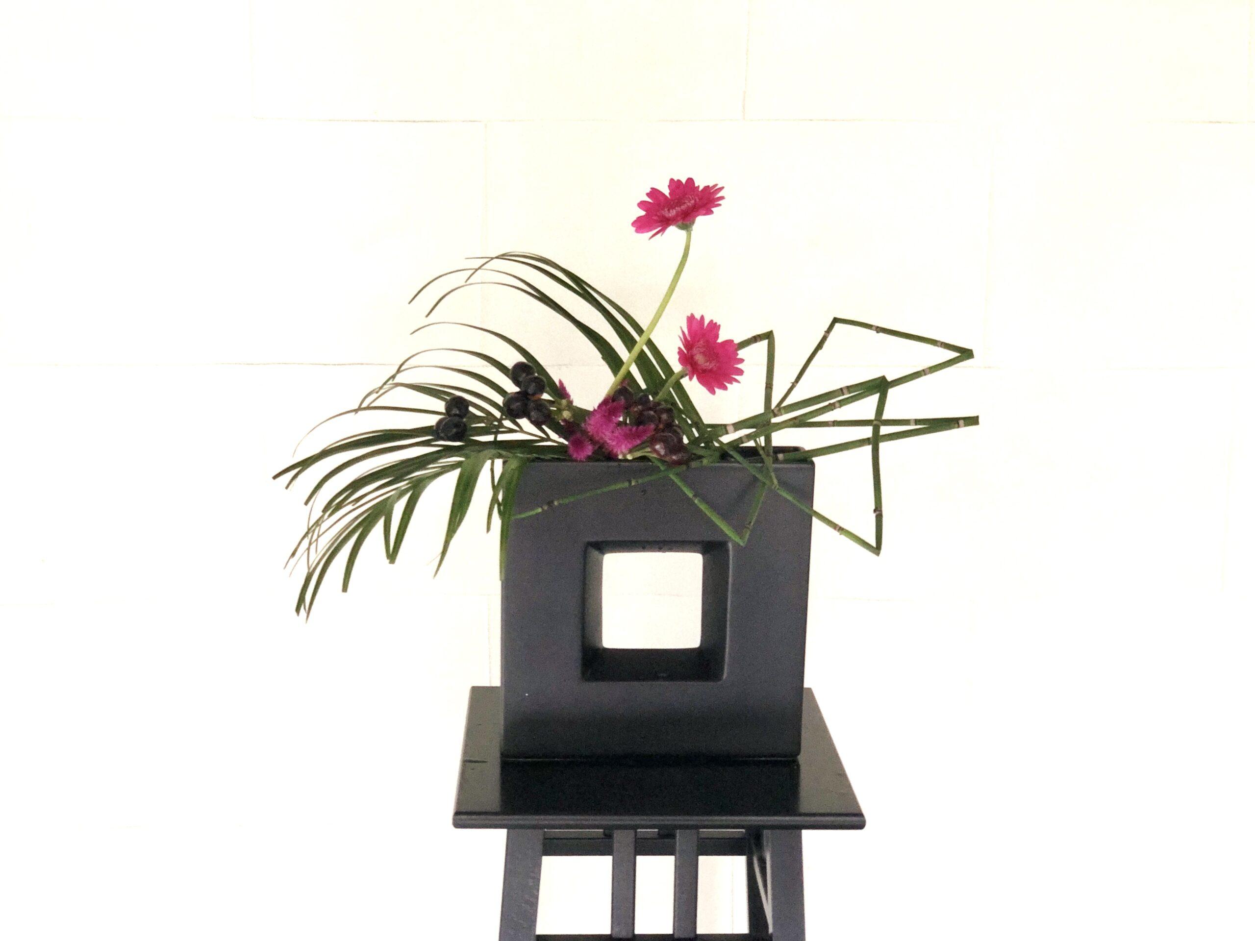 ガーベラを使った生け花 お花屋さんでの人気のお花の活け方